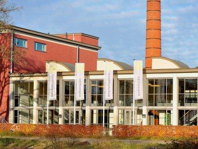 Het CBK Emmen in de oude melkfabriek aan het Oreanjekanaal in Emmen